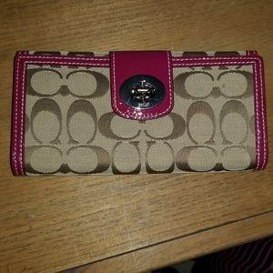 Coach signature Cs wallet